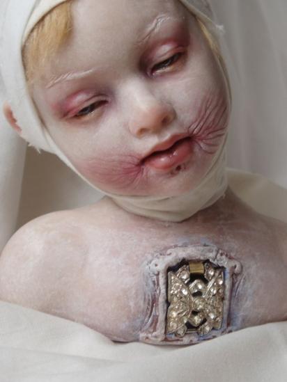 baby-creepy-doll-eerie-horror-Favim.com-112510