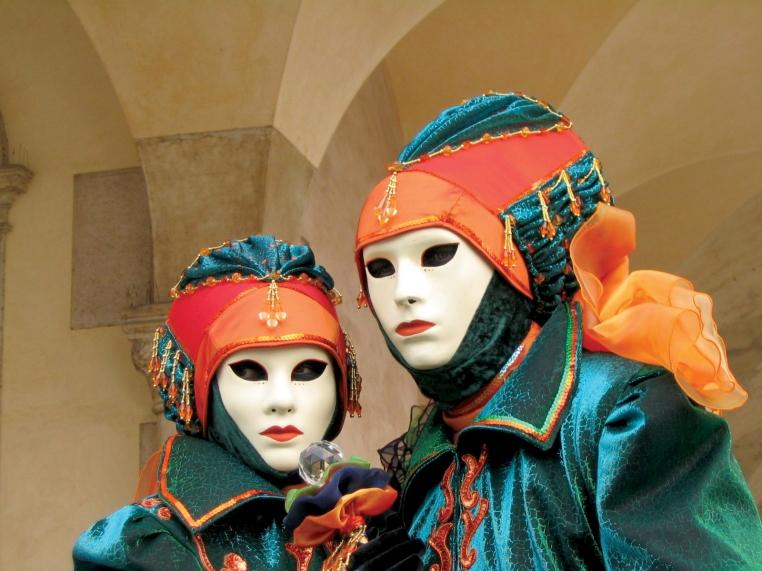 carnival_mask_wiki_2
